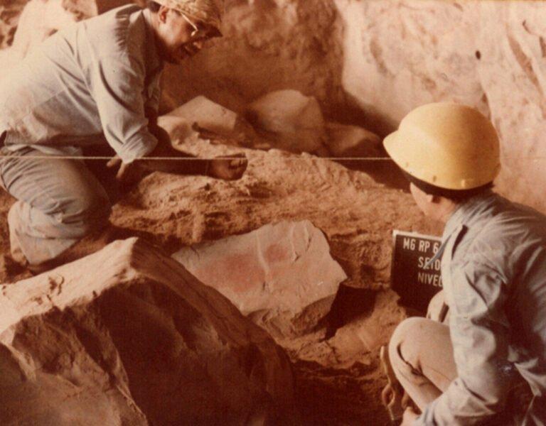 Fotografia da escavação na Sítio Gruta do gentio II. Foto: IAB